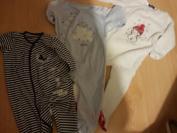 Giving away: sleeping suit 9-12 months