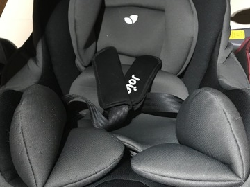 Selling: Baby car seat