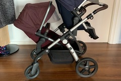 Selling: Silver Cross Wave Pushchair and Carrycot and tandem seat.