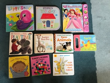 Selling: Bundle of 10 baby books