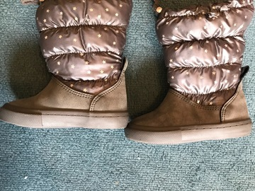 Selling: Baby girl boots