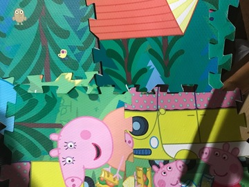 Selling: Peppa pig giant puzzle