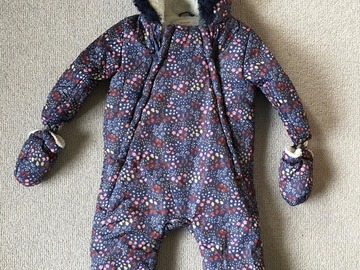 Selling:  Snow Suit with detachable gloves 9-12months, barely worn