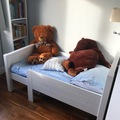 Selling: Toddlers extendable bed+mattress and sheets