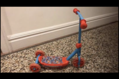 Selling: Paw Patrol scooter