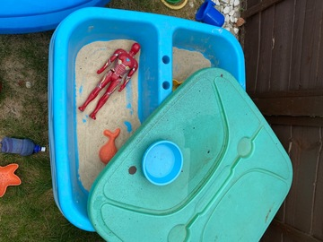 Selling: Sand and water tray