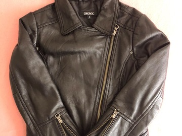 Selling: Girl leather jacket 4 years old