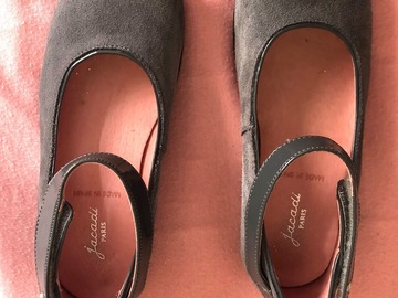 Selling: Jacadi girl shoes